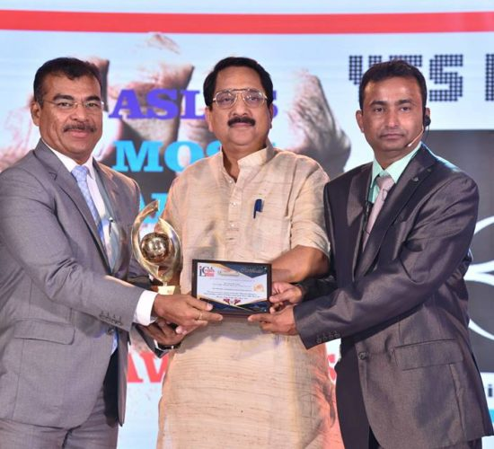 """Umesh Revankar of Shriram Transport Finance Company voted as """"Indian Affairs Most Transformational Leader & Change Agent 2017"""" at India Leadership Conclave 2017"""